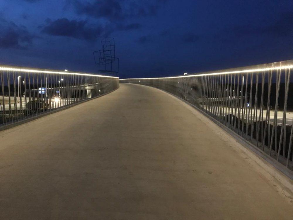 ledlijn in brug